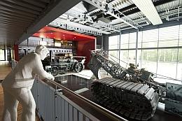 Das Museum zeigt auch einen Tiefpflug, markantestes Zeugnis des technisierten Torfabbaus