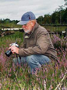 Ludwig Klasing ist ständig auf der Suche nach neuen Motiven für seine umfangreiche Fotosammlung über das Leben im Venn.