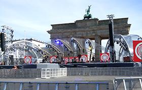 Vor dem Brandenburger Tor bereitete man die Veranstaltungen zum 3. Oktober vor
