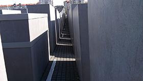 Das Holocaust-Mahnmal wurde 2005 feierlich eingeweiht und besteht aus mehr als 2.700 Stelen.